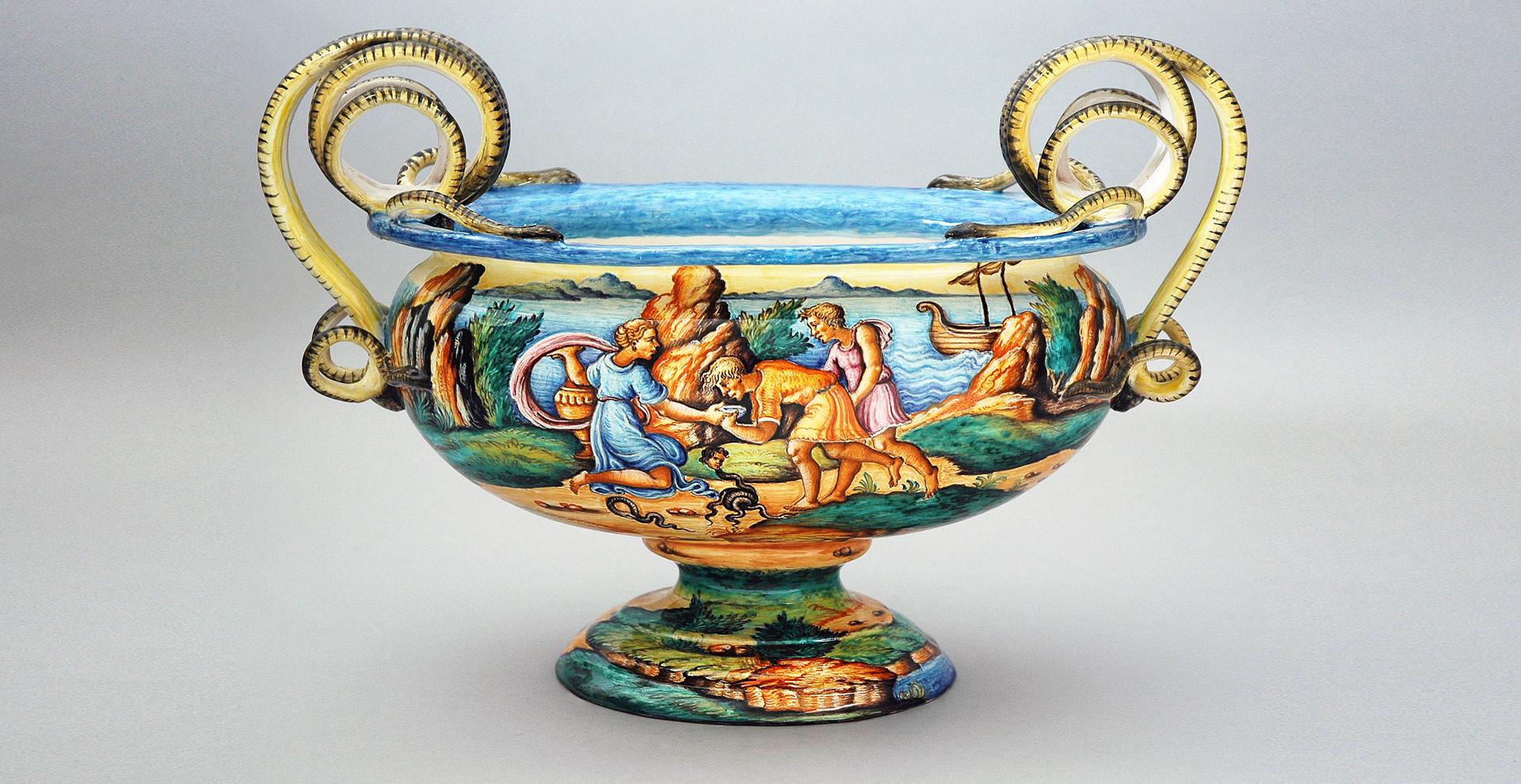 istoriato-slider-fioriera-ovale-con-serpi-1